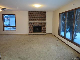 Photo 2: 69 Abraham Bay in Winnipeg: Maples Residential for sale (4H)  : MLS®# 1700540