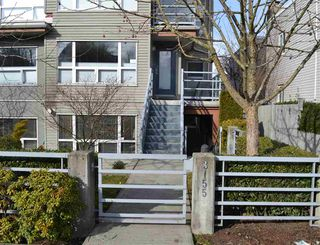"Photo 1: 3155 W 4TH Avenue in Vancouver: Kitsilano Condo for sale in ""BRIDGEWATER"" (Vancouver West)  : MLS®# R2142418"