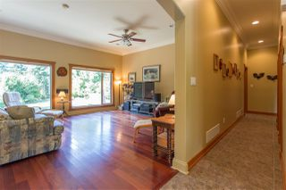 Photo 3: 42047 GOVERNMENT Road in Squamish: Brackendale House for sale : MLS®# R2151176