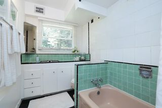 Photo 18: 2052 MACKAY Avenue in North Vancouver: Pemberton Heights House for sale : MLS®# R2181078