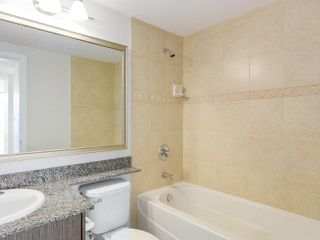 "Photo 11: 1908 892 CARNARVON Street in New Westminster: Downtown NW Condo for sale in ""AZURE 2"" : MLS®# R2191316"