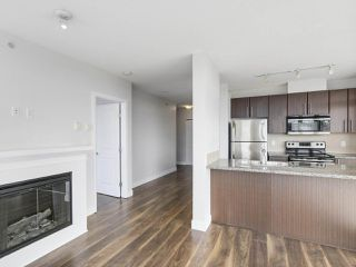 "Photo 3: 1908 892 CARNARVON Street in New Westminster: Downtown NW Condo for sale in ""AZURE 2"" : MLS®# R2191316"