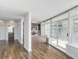 "Photo 4: 1908 892 CARNARVON Street in New Westminster: Downtown NW Condo for sale in ""AZURE 2"" : MLS®# R2191316"