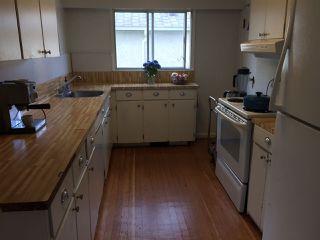 Photo 2: 442 GARRETT Street in New Westminster: Sapperton House for sale : MLS®# R2191656