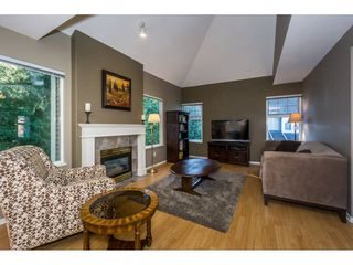 "Photo 9: 40 9036 208 Street in Langley: Walnut Grove Townhouse for sale in ""Hunter's Glen"" : MLS®# R2213866"