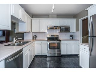 "Photo 4: 40 9036 208 Street in Langley: Walnut Grove Townhouse for sale in ""Hunter's Glen"" : MLS®# R2213866"