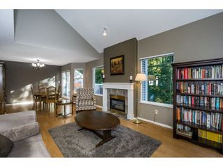 "Photo 10: 40 9036 208 Street in Langley: Walnut Grove Townhouse for sale in ""Hunter's Glen"" : MLS®# R2213866"