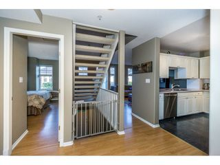 "Photo 3: 40 9036 208 Street in Langley: Walnut Grove Townhouse for sale in ""Hunter's Glen"" : MLS®# R2213866"