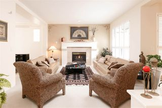 Photo 2: 132 CEDARWOOD Drive in Port Moody: Heritage Woods PM House for sale : MLS®# R2214696