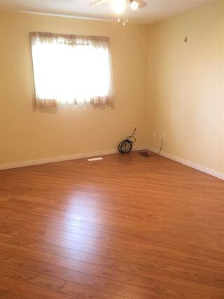 Photo 11: 5013A 50 Avenue: Clyde House Half Duplex for sale : MLS®# E4101831