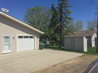 Photo 3: 5013A 50 Avenue: Clyde House Half Duplex for sale : MLS®# E4101831