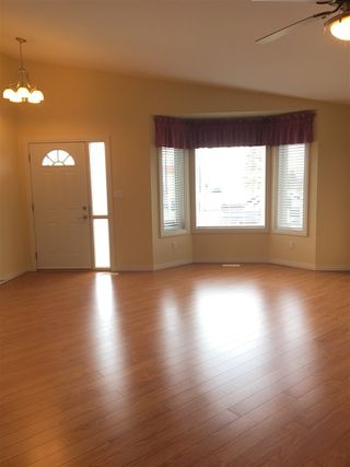 Photo 9: 5013A 50 Avenue: Clyde House Half Duplex for sale : MLS®# E4101831