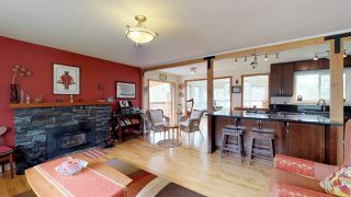 "Photo 3: 2111 RIDGEWAY Crescent in Squamish: Garibaldi Estates House for sale in ""Garibaldi Estates"" : MLS®# R2258821"
