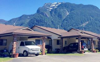 """Photo 1: K 420 RUPERT Street in Hope: Hope Center Townhouse for sale in """"CARIBOO PLACE"""" : MLS®# R2263565"""