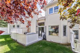 Photo 2: 235 EDGEDALE Garden NW in Calgary: Edgemont Row/Townhouse for sale : MLS®# C4205511