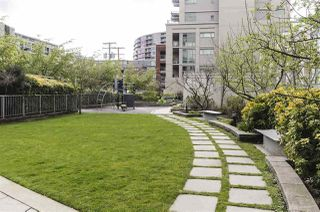 "Photo 4: 1008 1833 CROWE Street in Vancouver: False Creek Condo for sale in ""FOUNDRY"" (Vancouver West)  : MLS®# R2312867"