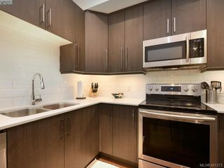 Photo 9: 115 300 Phelps Avenue in VICTORIA: La Thetis Heights Townhouse for sale (Langford)  : MLS®# 401273
