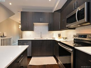 Photo 7: 115 300 Phelps Avenue in VICTORIA: La Thetis Heights Townhouse for sale (Langford)  : MLS®# 401273