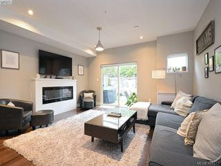 Photo 2: 115 300 Phelps Avenue in VICTORIA: La Thetis Heights Townhouse for sale (Langford)  : MLS®# 401273