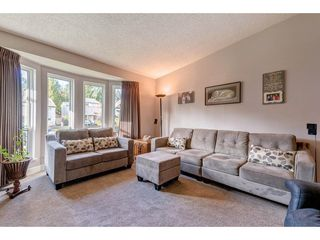 Photo 3: 11788 N WILDWOOD Crescent in Pitt Meadows: South Meadows House for sale : MLS®# R2325669