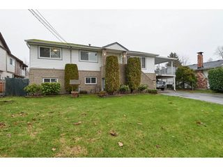 Photo 1: 15505 84 Avenue in Surrey: Fleetwood Tynehead House for sale : MLS®# R2327784