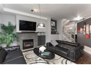 Photo 3: 20 20750 TELEGRAPH Trail in Langley: Walnut Grove Townhouse for sale : MLS®# R2335222