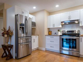 Photo 4: 6 1620 Piercy Ave in COURTENAY: CV Courtenay City Row/Townhouse for sale (Comox Valley)  : MLS®# 810581