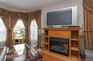 Photo 5: 145 7 Chief Robert Sam Lane in VICTORIA: VR Glentana Manu Double-Wide for sale (View Royal)  : MLS®# 408509
