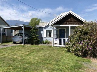 Main Photo: 46141 NORRISH Avenue in Chilliwack: Chilliwack E Young-Yale House for sale : MLS®# R2361678