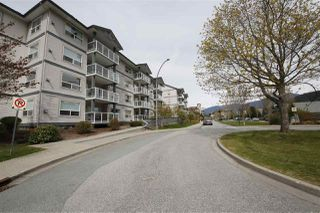 "Photo 13: 212 1203 PEMBERTON Avenue in Squamish: Downtown SQ Condo for sale in ""EAGLE GROVE"" : MLS®# R2363138"
