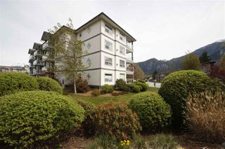 "Photo 1: 212 1203 PEMBERTON Avenue in Squamish: Downtown SQ Condo for sale in ""EAGLE GROVE"" : MLS®# R2363138"