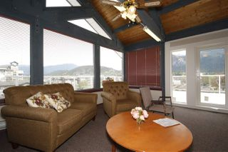 "Photo 18: 212 1203 PEMBERTON Avenue in Squamish: Downtown SQ Condo for sale in ""EAGLE GROVE"" : MLS®# R2363138"