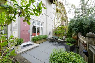 """Main Photo: 104 4272 ALBERT Street in Burnaby: Vancouver Heights Townhouse for sale in """"Cranberry Commons"""" (Burnaby North)  : MLS®# R2372999"""