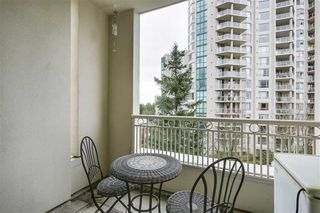 "Photo 10: 413 3098 GUILDFORD Way in Coquitlam: North Coquitlam Condo for sale in ""MARLBOROUGH HOUSE"" : MLS®# R2378181"
