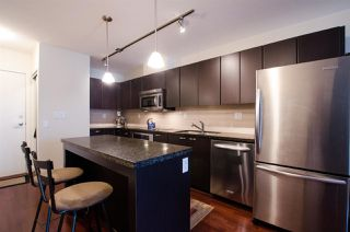 "Photo 5: 704 538 SMITHE Street in Vancouver: Downtown VW Condo for sale in ""MODE"" (Vancouver West)  : MLS®# R2378425"