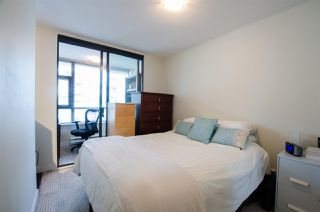 "Photo 11: 704 538 SMITHE Street in Vancouver: Downtown VW Condo for sale in ""MODE"" (Vancouver West)  : MLS®# R2378425"