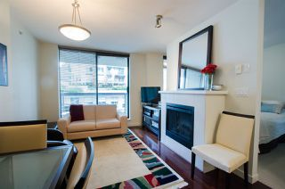 "Photo 3: 704 538 SMITHE Street in Vancouver: Downtown VW Condo for sale in ""MODE"" (Vancouver West)  : MLS®# R2378425"