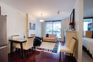 "Photo 4: 704 538 SMITHE Street in Vancouver: Downtown VW Condo for sale in ""MODE"" (Vancouver West)  : MLS®# R2378425"