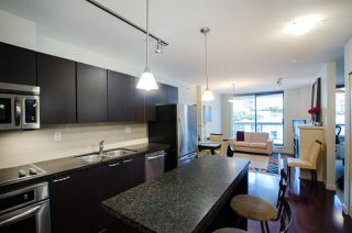 "Photo 6: 704 538 SMITHE Street in Vancouver: Downtown VW Condo for sale in ""MODE"" (Vancouver West)  : MLS®# R2378425"