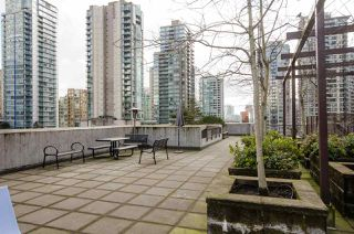 "Photo 17: 704 538 SMITHE Street in Vancouver: Downtown VW Condo for sale in ""MODE"" (Vancouver West)  : MLS®# R2378425"