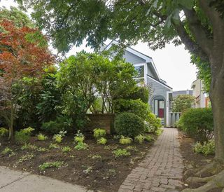 Photo 1: 846 W 13TH Avenue in Vancouver: Fairview VW House 1/2 Duplex for sale (Vancouver West)  : MLS®# R2386211
