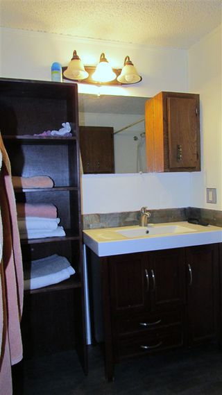 Photo 18: 10118 MACDOUGALL Street: Hudsons Hope Manufactured Home for sale (Fort St. John (Zone 60))  : MLS®# R2426803