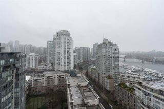 "Photo 12: 2205 1383 MARINASIDE Crescent in Vancouver: Yaletown Condo for sale in ""Columbus"" (Vancouver West)  : MLS®# R2428808"