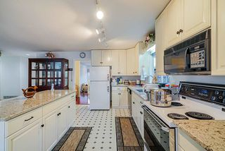 Photo 12: 8036 165 Street in Surrey: Fleetwood Tynehead House for sale : MLS®# R2431093