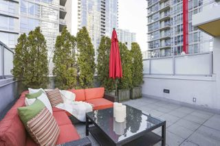 "Photo 18: 112 DUNSMUIR Street in Vancouver: Downtown VW Townhouse for sale in ""Spectrum 4"" (Vancouver West)  : MLS®# R2437895"