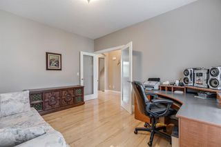 Photo 3: 19 WESTRIDGE Crescent SW in Calgary: West Springs Detached for sale : MLS®# A1022947