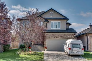 Photo 1: 19 WESTRIDGE Crescent SW in Calgary: West Springs Detached for sale : MLS®# A1022947