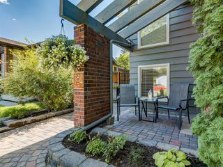 Photo 3: 104 MIDLAND Crescent SE in Calgary: Midnapore Detached for sale : MLS®# A1023659