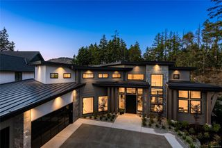 Photo 2: 2224 Riviera Pl in : La Bear Mountain Single Family Detached for sale (Langford)  : MLS®# 853533
