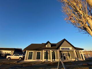 Photo 2: 14 620 1 Avenue NW: Airdrie Office for sale : MLS®# A1054959
